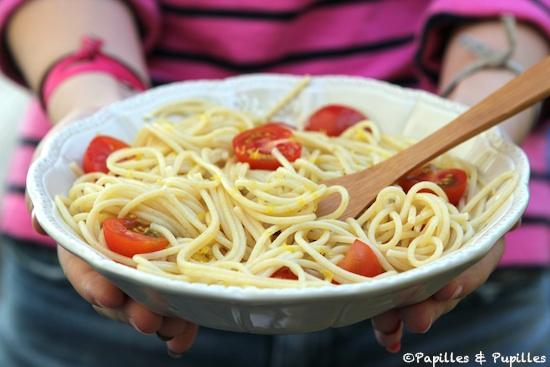 Spaghettis aux tomates cerises, ail citron câpres