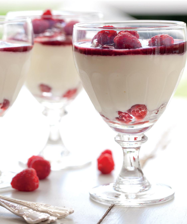 Verrines au yaourt et aux framboises