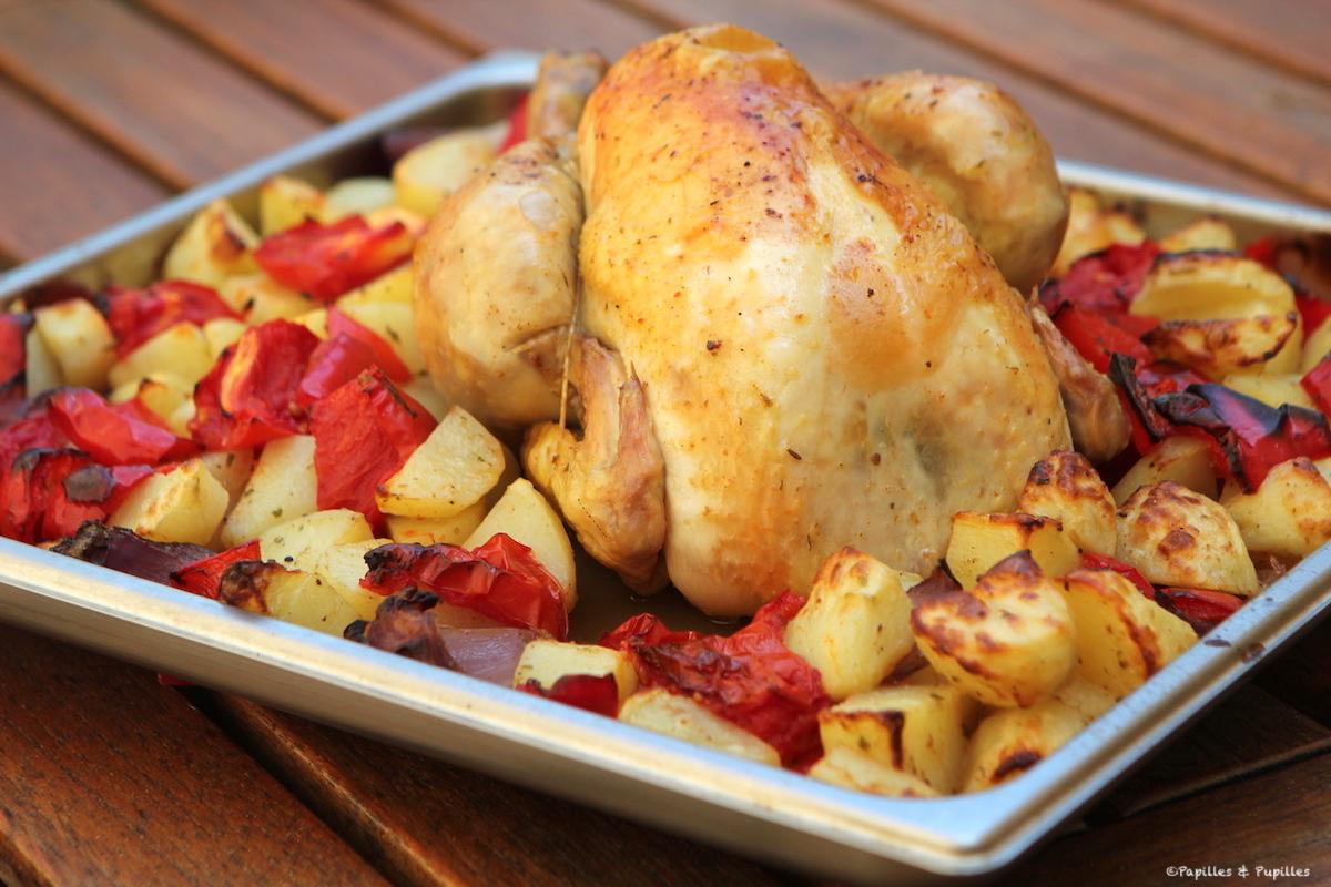 Poulet rôti aux pommes de terre, poivron et tomates