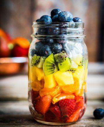 Salade de fruits ©Alena Haurylik shutterstock