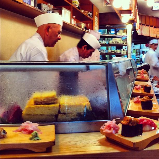 Daiwa - sushi bar - Tsukiji - Marché aux poissons de Tokyo