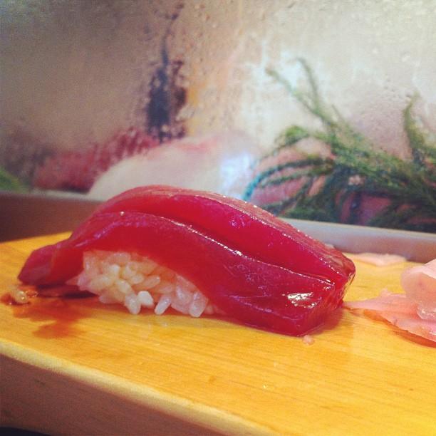 Sushi au thon rouge - j'ai récité 2 notre Nicolat Hulot et 3 ave Arthus Bertrand mais punaise qu'est ce que c'était bon !
