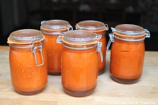 Conserves de soupe de tomates rôties