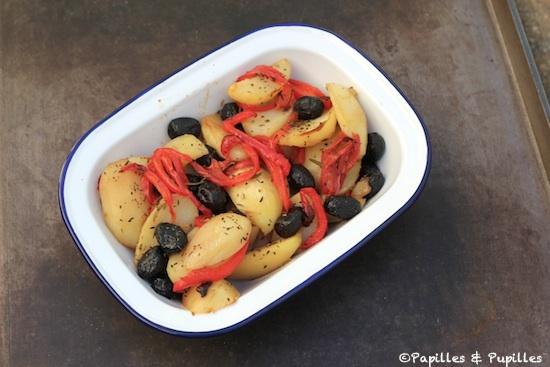 Pommes de terre aux poivrons rôtis et olives noires