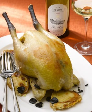Poularde pochée à la truffe, gratin Dauphinois de patate douce