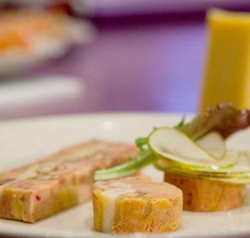 Foie gras de canard aux poires et au Comté