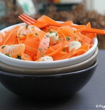 Tagliatelles de carottes, Boursin apéritif et salade ail et fines herbes et clémentines