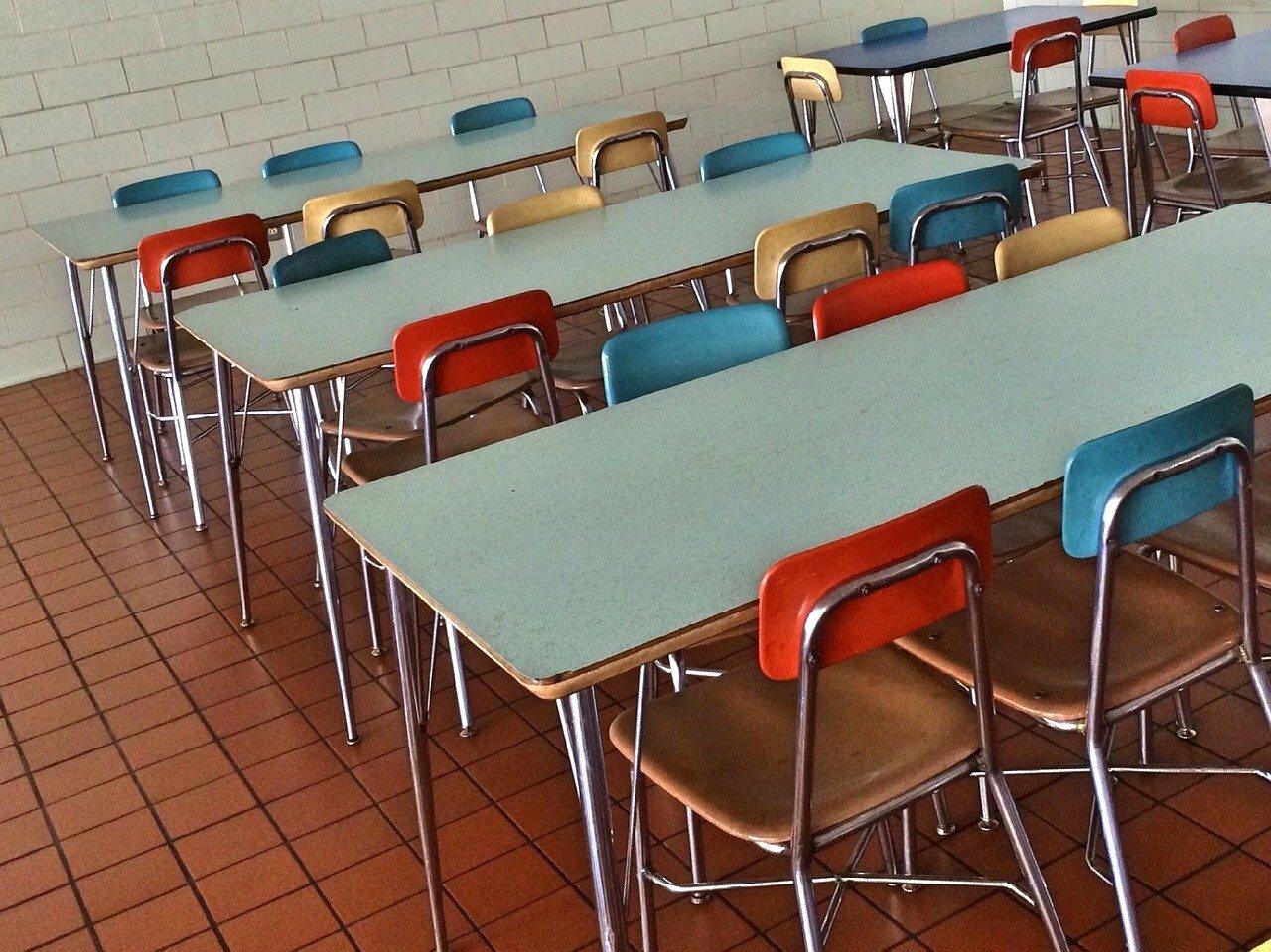 Cantine scolaire ©Wokandapix de Pixabay