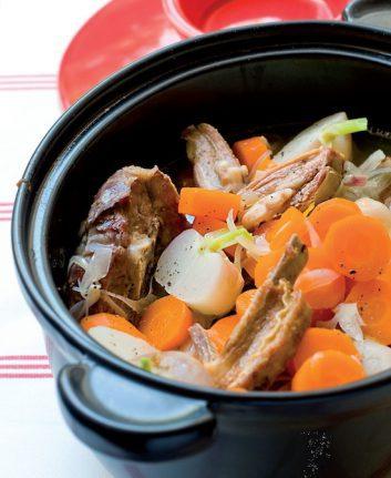 Mijoté d'agneau au cidre, carottes et navets ©Photographie Emmanuel Renault