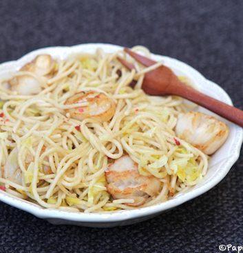 Spaghettis, noix de Saint Jacques et poireaux