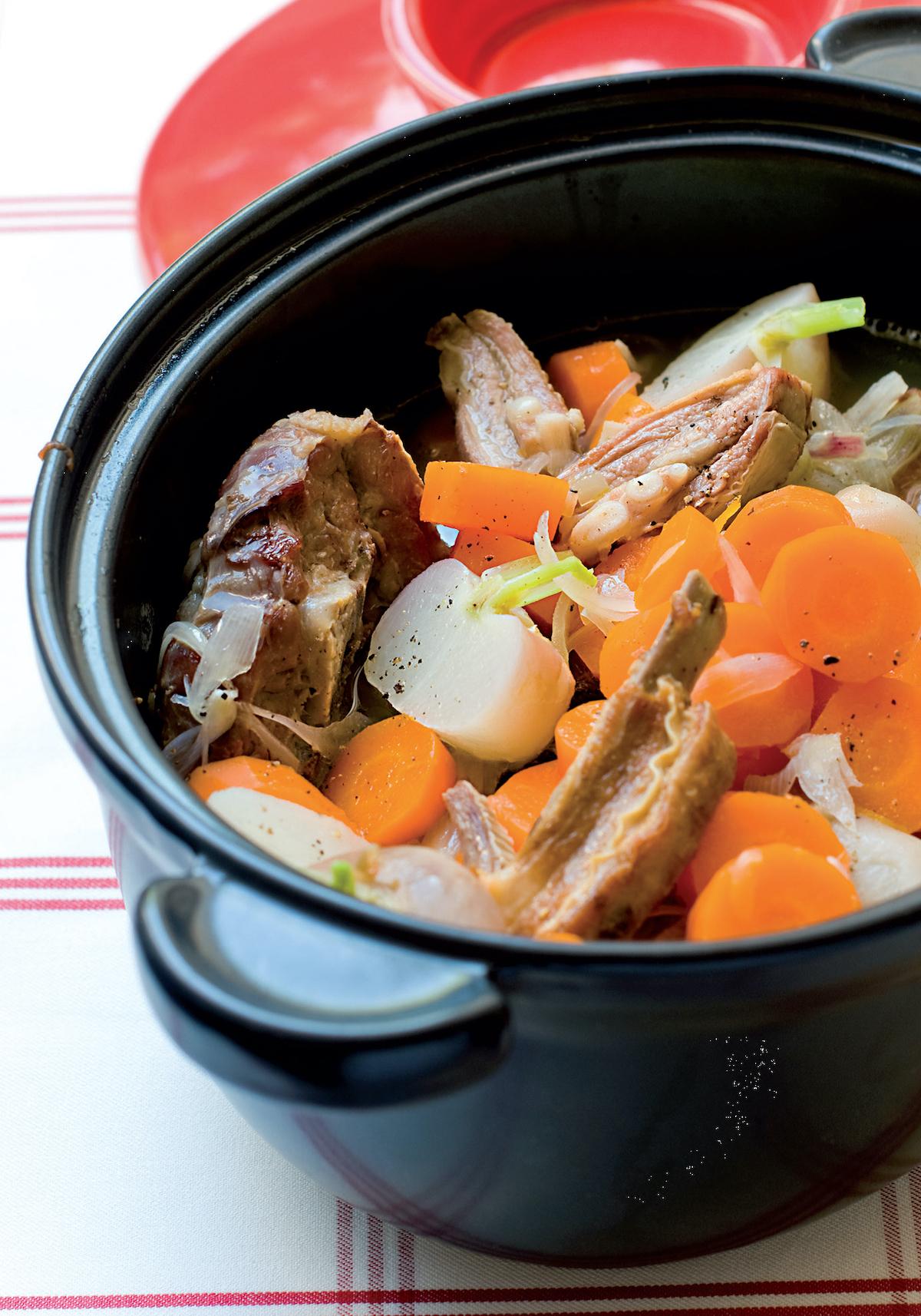 Mijoté d'agneau au cidre, carottes et navets