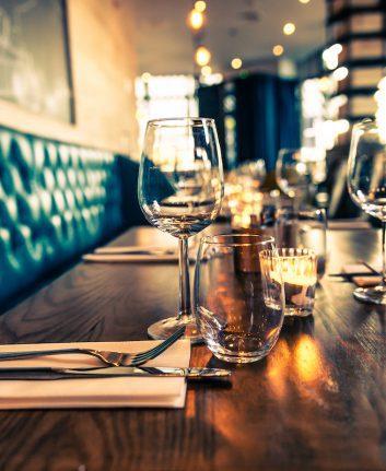 Restaurant ©arturasker shutterstock