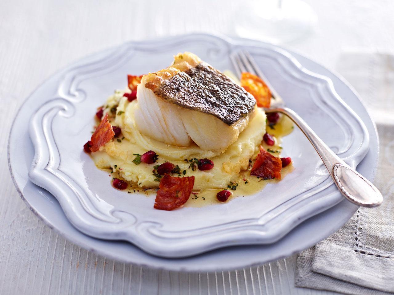 Skrei de Norvège {cabillaud} au four avec son chorizo, pommes de terre et amandes