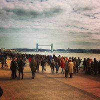 #bordeaux - beaucoup de monde sur les quais pour l'inauguration du pont Chaban Delmas
