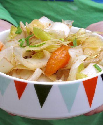 Salade d'endives au vieux Cheddar, à la mozzarella et aux clémentines