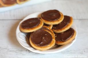 Biscuit tartiné de chocolat au lait