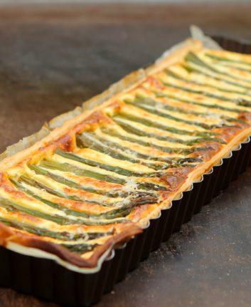 Tarte aux pointes d'asperges vertes et au Parmesan ©Anne LAtaillade