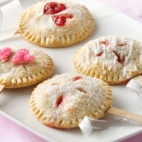 pillsbury-pie-pops ©Bridal Guide