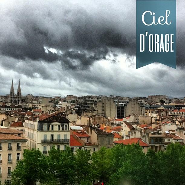Vent, orage et pluie sur Marseille #pointMeteo #jeVeuxDuSoleil