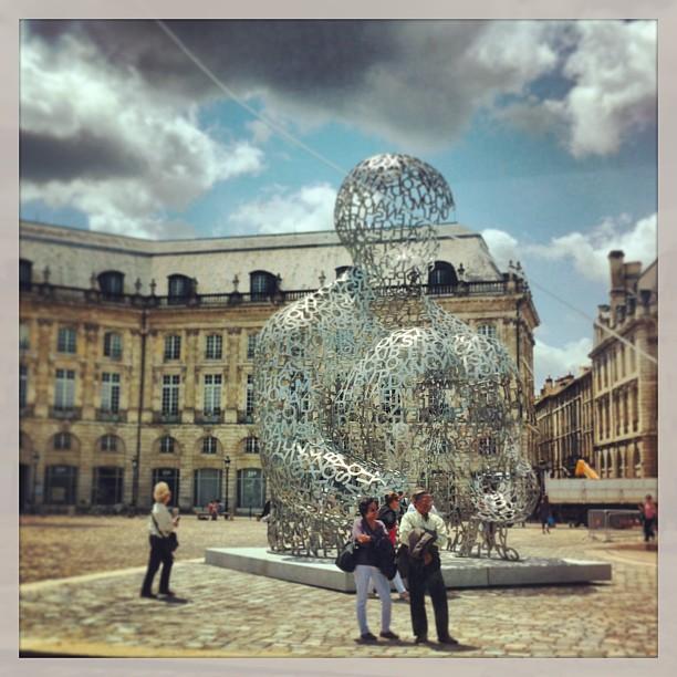 Jaume Plensa - place de la Bourse, Bordeaux
