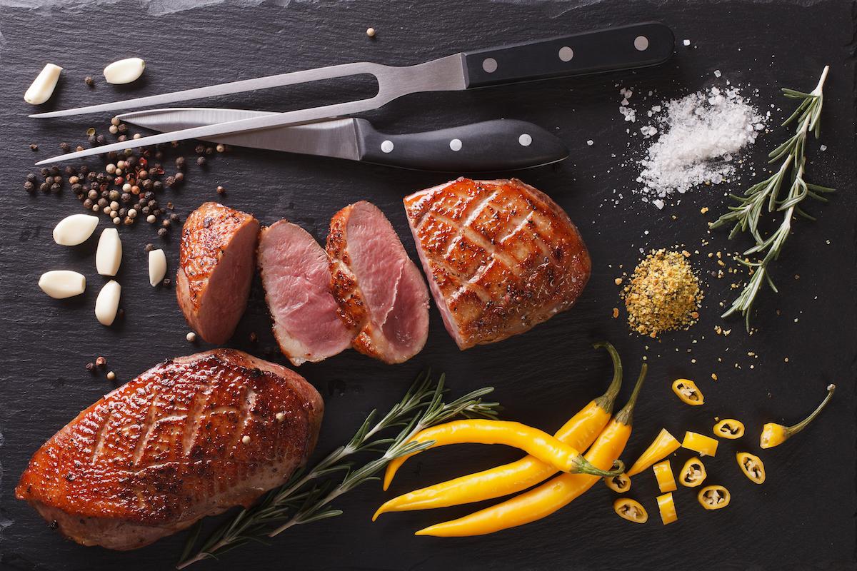 Canard à rôtir © AS Food studio. shutterstock