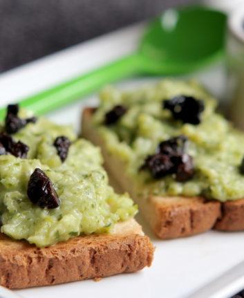 Tartinade de courgettes feta olives noirs