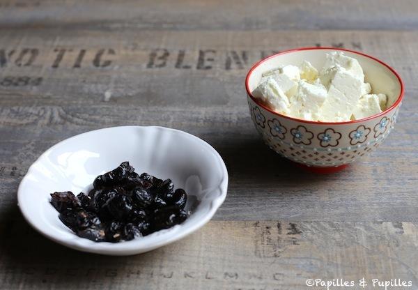 Olives noires et dés de Feta