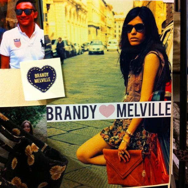 Brandy Melville - LA marque ado du moment vu la foule â l'intérieur du magasin !