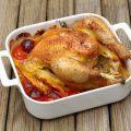 Poulet aux tomates, poivron, vin blanc et thym