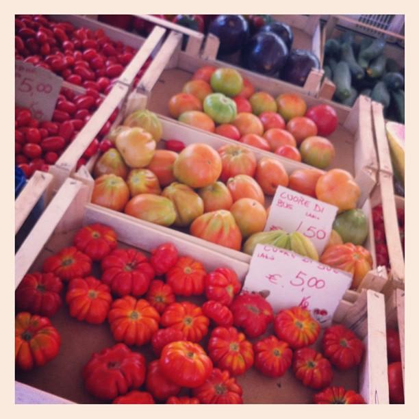 Tomates, marché Campo Di Fiori - Rome - avec @eleonoragalasso