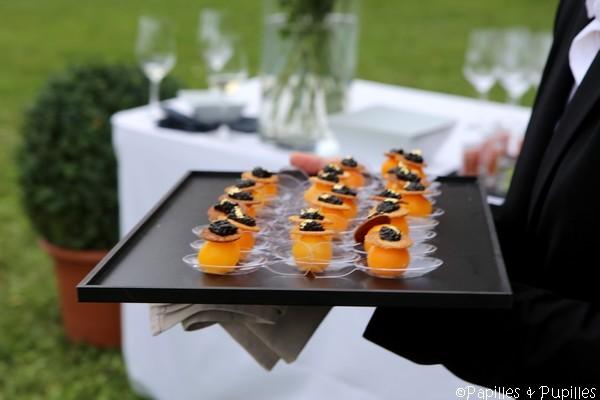 Oeuf basse température, dentelle de pain et caviar d'Aquitaine