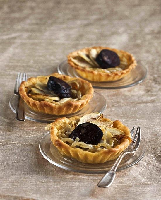 Tartelette oignons pommes boudin noir ©Sipmm Oignon