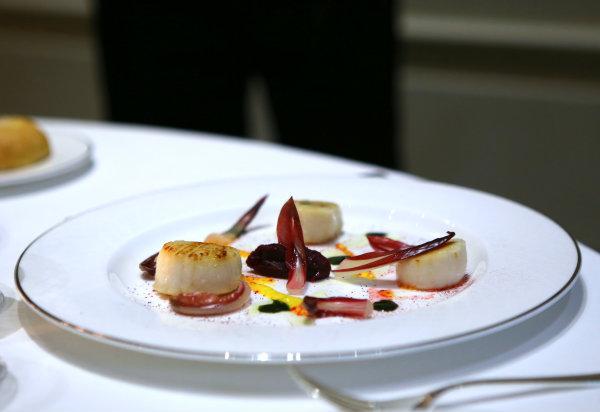 Saint Jacques - Salade Trévise - sauce à l'orange - Palazzo Parigi - Milan