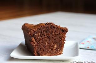 Cake au chocolat et aux amandes tranché