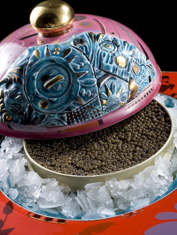 Caviar sur glace pilée