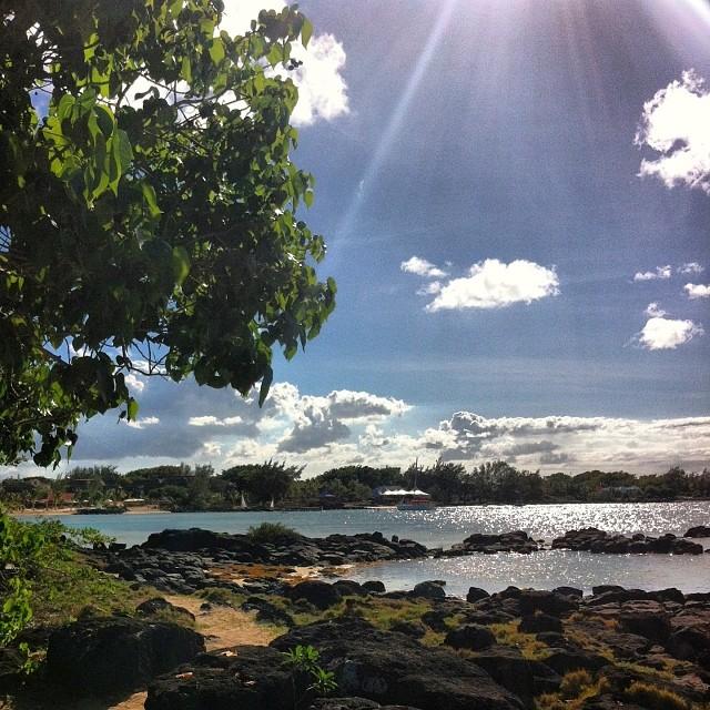 Il y a le ciel, le soleil et la mer  #IleMaurice #zilwaattitude