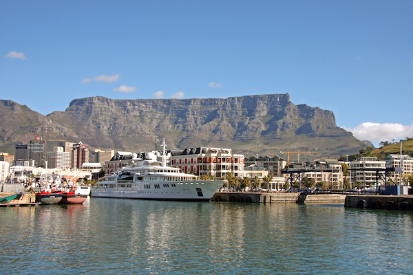 Cape Town et la Table Mountain ©Exfordy - licence CC BY 2.0