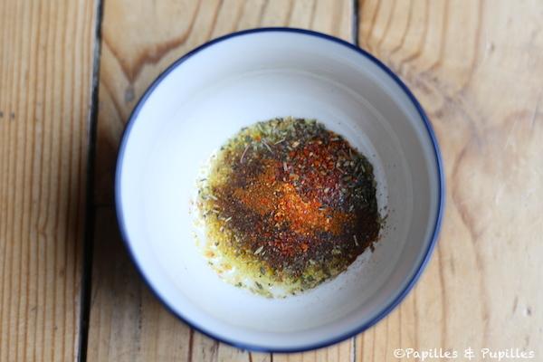 Mélange d'herbes, épices et huile