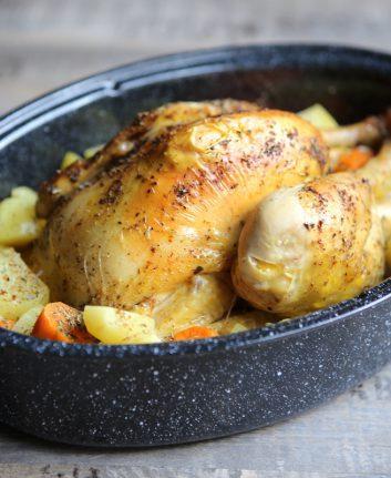 Poulet rôti en cocotte, pommes de terre et patates douces