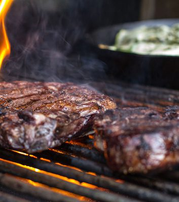 Steak au BBQ ©Mike - Another Pint Please CC BY-NC-SA 2.0