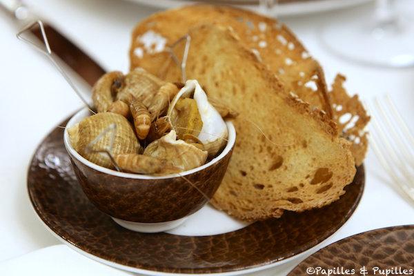 Bulots, crevettes grises, pain Gascon et beure Bordier