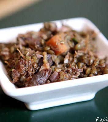Salade tiède de lentilles à l effiloché de confit
