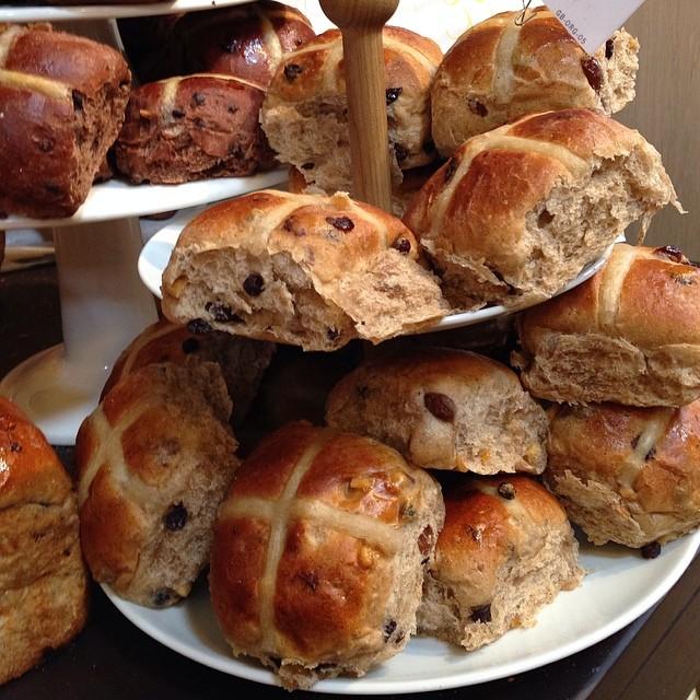 Petit déjeuner : hot cross buns