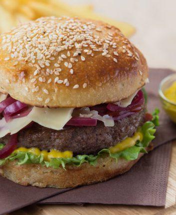 Burger au Cantal et Savora