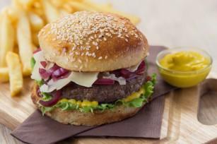 Burgers au Cantal, aux tomates confites et à la moutarde Savora