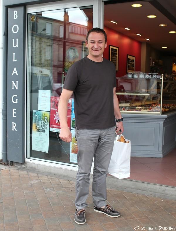 Laurent Lachenal devant sa boulangerie - Bordeaux