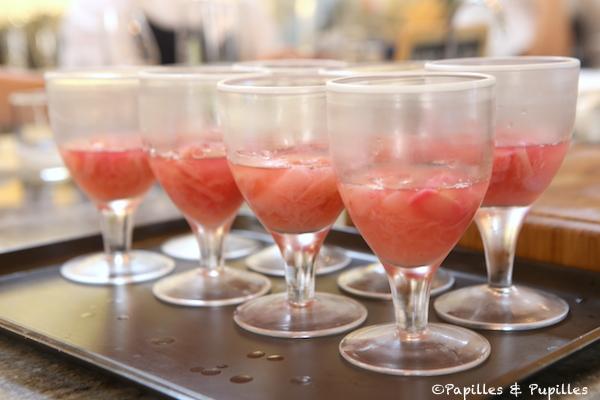 Rhubarbe dans des verres