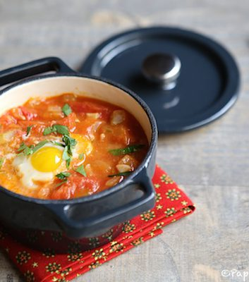 Mini cocotte d'oeuf de caille et tomates au cumin