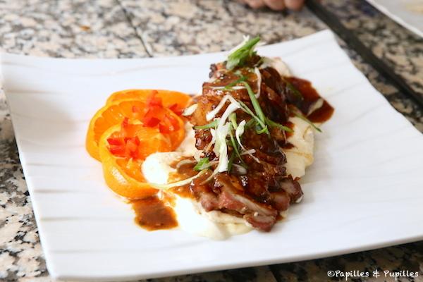 Rôti de porc aux épices tchasui, au poivre et glace orange épices