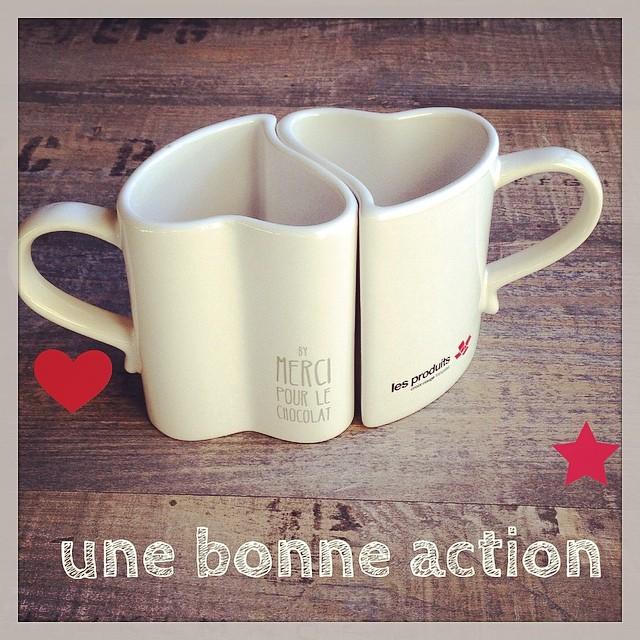 2 jolis mugs pour la Croix Rouge